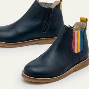 Boden College Navy Leather Rainbow Chelsea Boot
